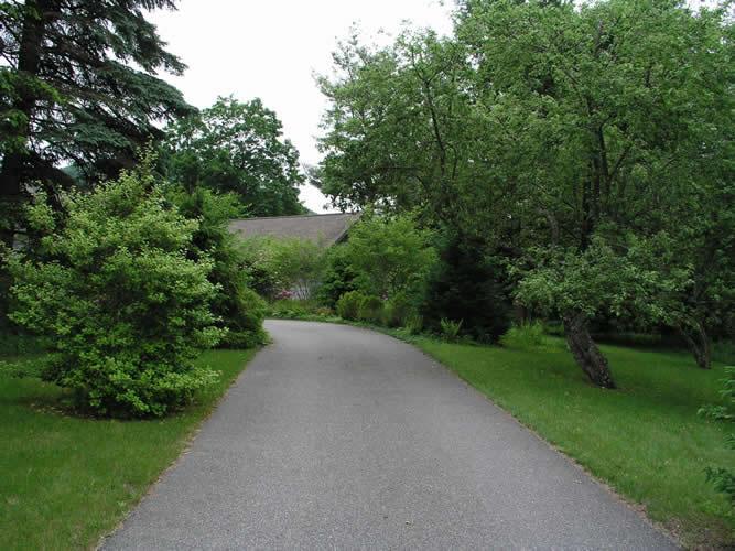 2.3_Entryways-driveway