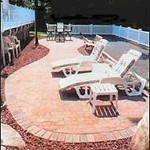 2.4_Outdoor-Rooms_red-deck
