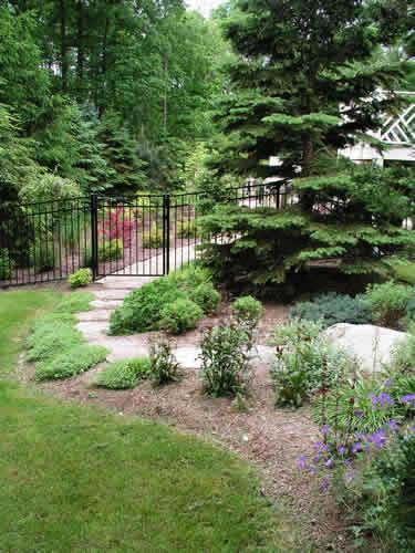 2.5_Pathways_garden-walk